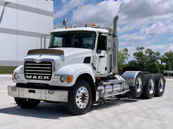 Used 2003 MACK CV713 Tri-Axle Day Cab - Mack E7 - 18 Speed for sale $41,800 at Midwest Truck Group in Carol Stream IL