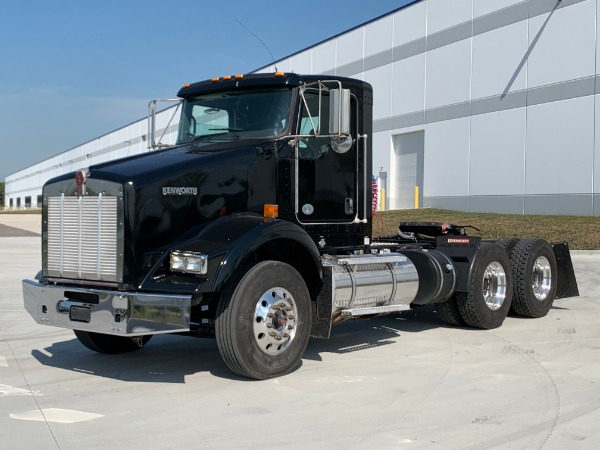 Used 2015 Kenworth T-800 Tandem-Axle Day Cab - CUMMINS ISX 450 - AUTOMATIC! for sale $49,800 at Midwest Truck Group in Carol Stream IL