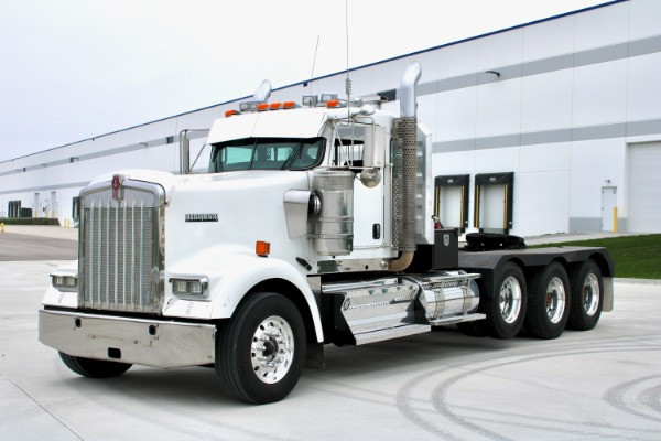 Used 2010 Kenworth W900 Tri-Axle Heavy Haul Day Cab - Cummins ISX 485HP for sale $66,800 at Midwest Truck Group in Carol Stream IL