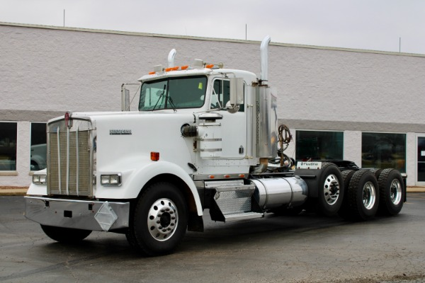 Used 2005 Kenworth W900B Tri-Axle Day Cab - Cummins ISX - STEERABLE 3RD AXLE! for sale $34,800 at Midwest Truck Group in West Chicago IL