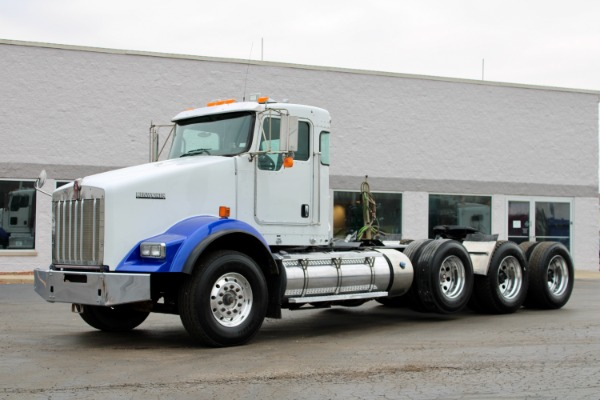Used 2013 Kenworth T800 Tri-Axle Day Cab - Cummins ISX - 450 Horsepower for sale $65,800 at Midwest Truck Group in West Chicago IL