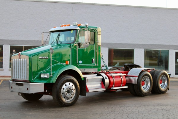 Used 2012 Kenworth T800 Day Cab - Cummins ISX - 485 Horspower - 10 Speed Manual for sale $43,800 at Midwest Truck Group in West Chicago IL