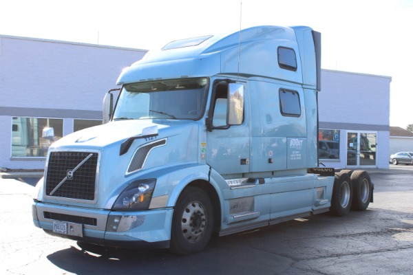 Used 2017 Volvo VNL Sleeper Cab for sale $62,800 at Midwest Truck Group in West Chicago IL