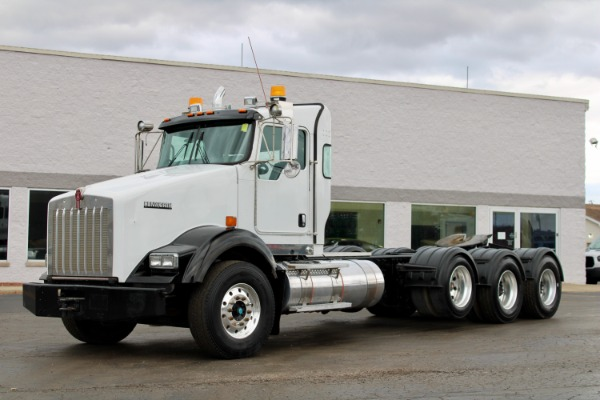 Used 2009 Kenworth T800 Day Cab Tri-Axle - Cummins ISX15 - 485HP - 18 Speed Manual for sale $64,800 at Midwest Truck Group in West Chicago IL