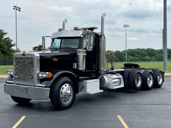 Used 2007 Peterbilt 379 Tri-Axle Day Cab - CAT DIESEL - 450 HP - 13 Speed Manual - 40K Rears for sale $66,800 at Midwest Truck Group in West Chicago IL